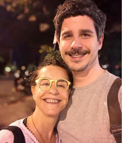 Pedro e a mãe, Lucélia Santos (Foto: TV Globo)