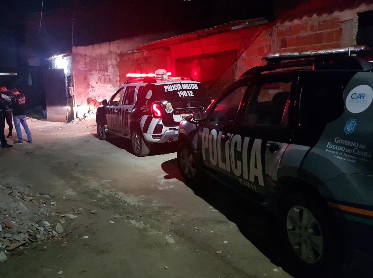 Corpo de homem com marcas de tiros é encontrado em rua de Fortaleza