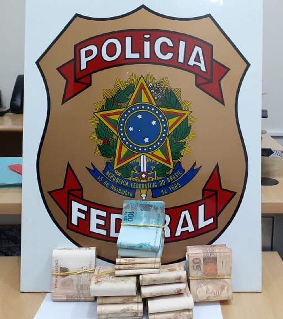 Dinheiro apreendido em Guajará-Mirim foi encaminhado para depósito judicial.  — Foto: Divulgação/PF