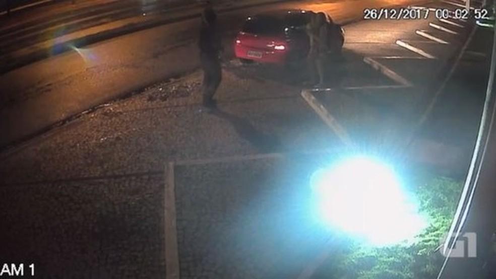 Polícia divulgou vídeo da abordagem (Foto: Divulgação/Polícia Civil)
