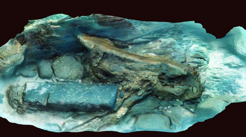 Destroço marítimo de pedra e madeira do navio Schiedam (Foto: David Gibbins/Cornwall Maritime Archaeology)