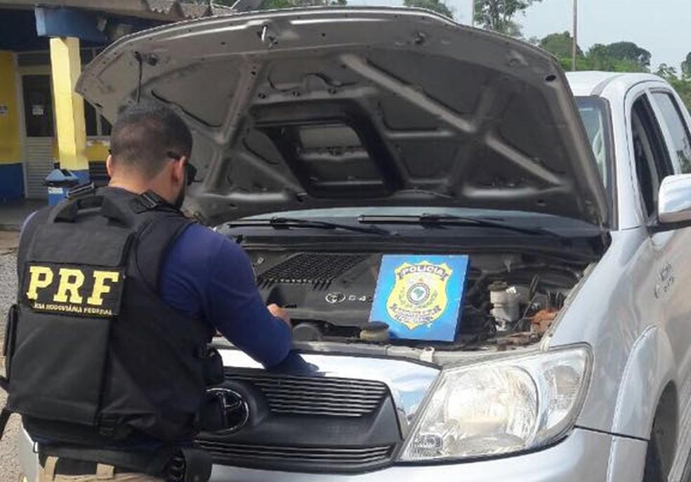 -  PRF verificou adulteração na numeração do motor da caminhonete  Foto: PRF/Divulgação