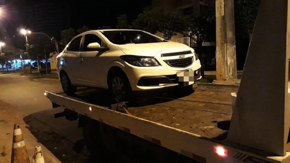 Carro foi recuperado pela PM — Foto: PM/Divulgação