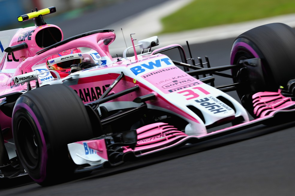 Ocon em ação na temporada 2018 pela Force India — Foto: Getty Images