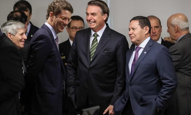 Ricardo Salles, Jair Bolsonaro e Hamilton Mourão na reunião com governadores da Amazônia