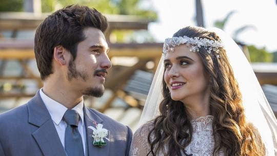 """Nicolas Prattes conta reação ao ver Juliana Paiva de noiva pela primeira vez: """"Eu tive o baque"""""""