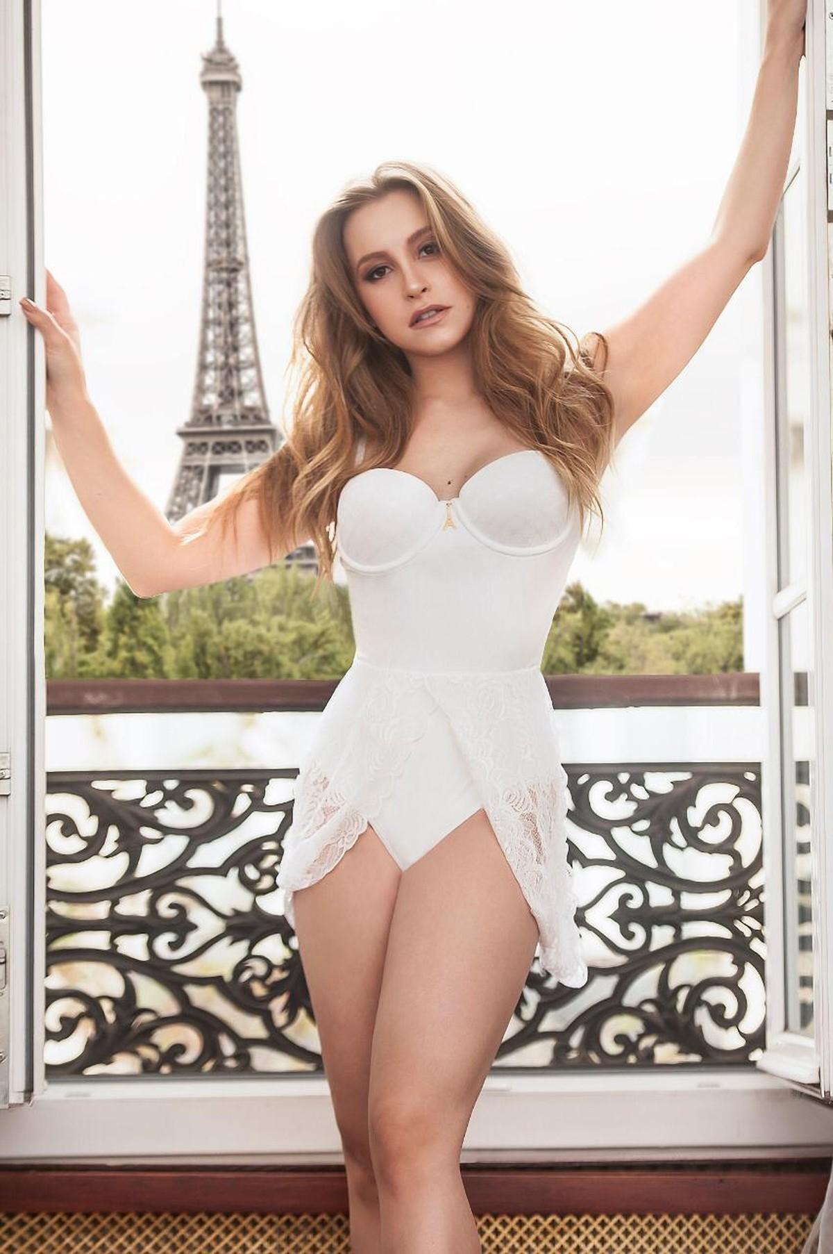 ea4d37592 Carla Diaz revela a cor da lingerie que pretende usar no Ano Novo e ...