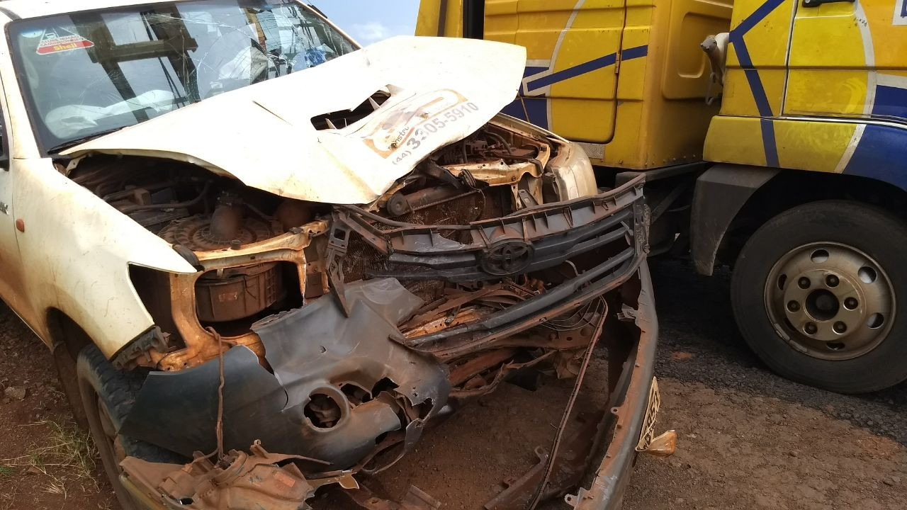 Acidente entre moto e caminhonete na BR-376, entre Marialva e Mandaguari, deixa uma pessoa morta