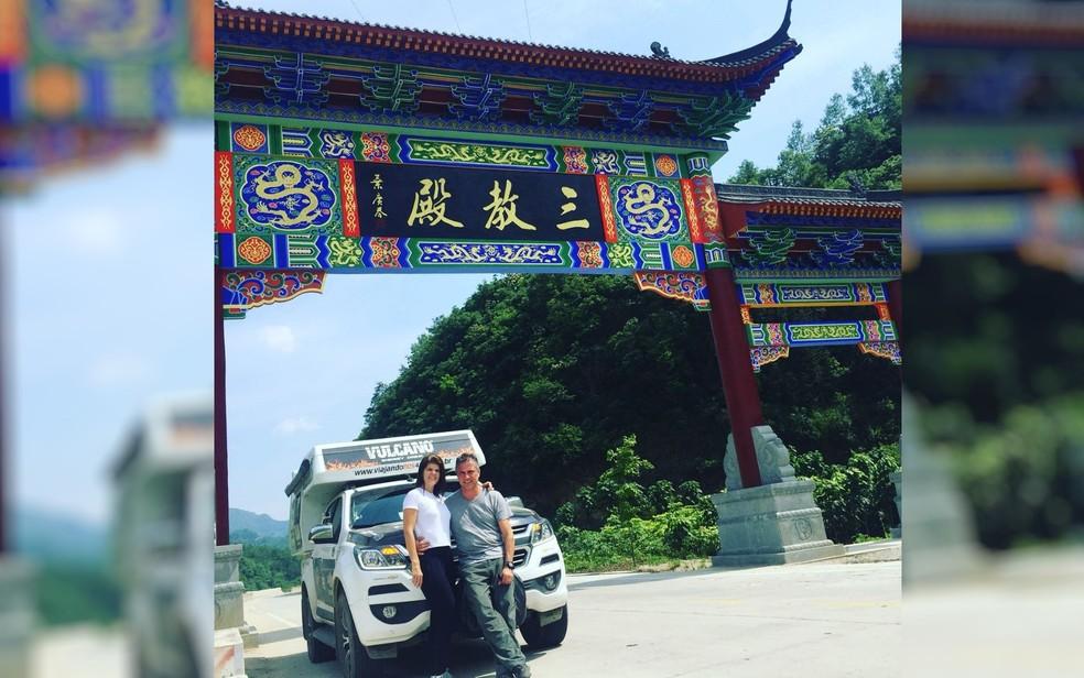 Casal de Goiás viajou mais de 20 mil km de carro só na Ásia (Foto: Amandio Palhares/Arquivo Pessoal)