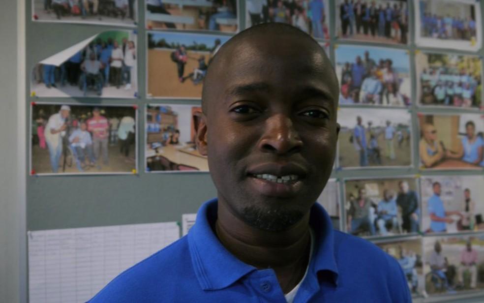 Como diretor do programa, Sousa quer levar informação para deficientes auditivos (Foto: BBC)