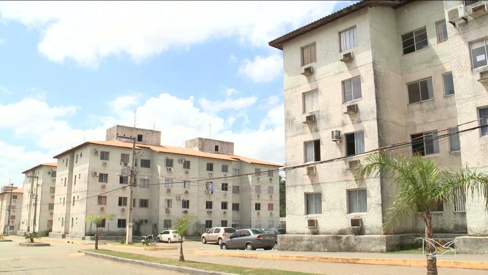 Condomínio construído pela Cyrela na Forquilha apresenta diversos problemas estruturais, segundo os moradores (Foto: Reprodução/TV Mirante)