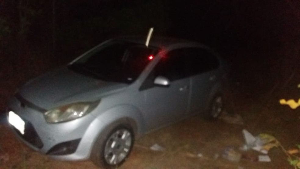 Suspeito estava com carro roubado — Foto: PM-MT/Assessoria