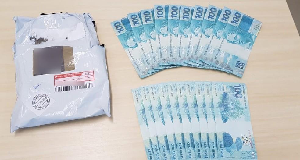 Cédulas de notas falsificadas apreendidas pela Polícia Federal no município de Goiana, na Zona da Mata de Pernambuco — Foto: Polícia Federal/Divulgação
