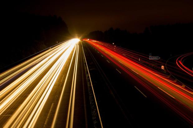 Multas por velocidade média podem ser adotadas na Europa... e por aqui! (Foto: Wikicommons/Reprodução)