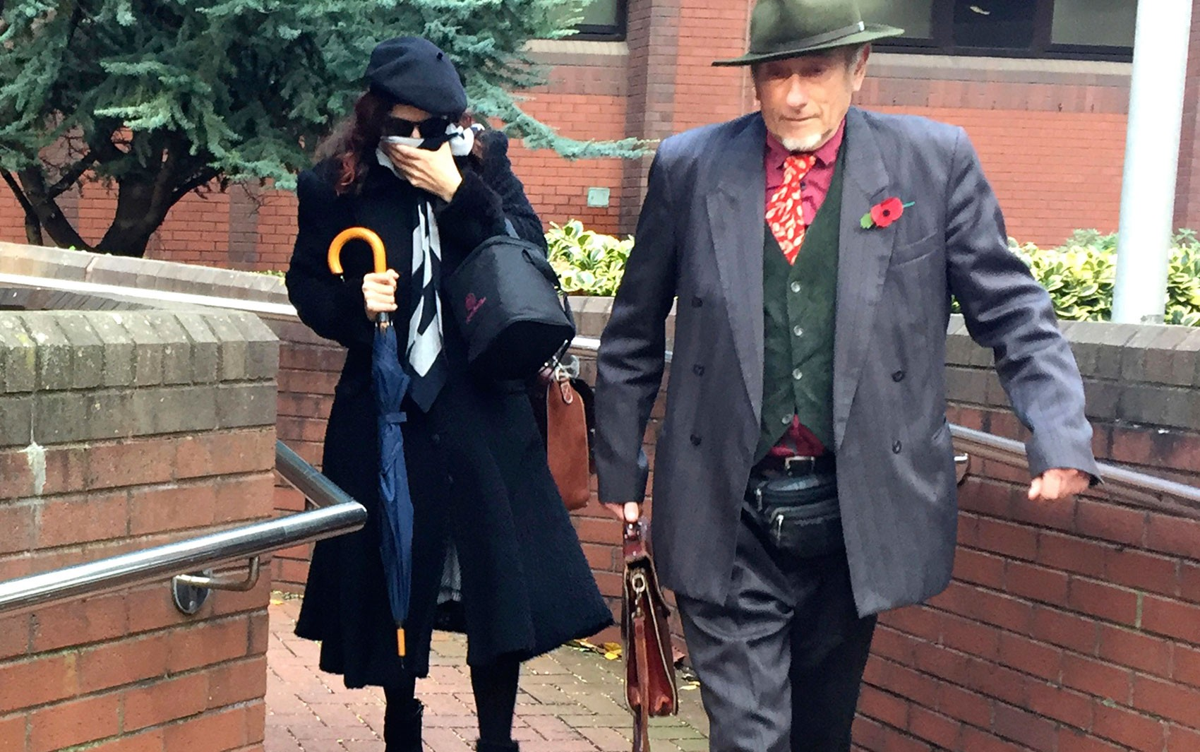Casal de extrema-direita que deu nome a filho em homenagem a Hitler é condenado no Reino Unido