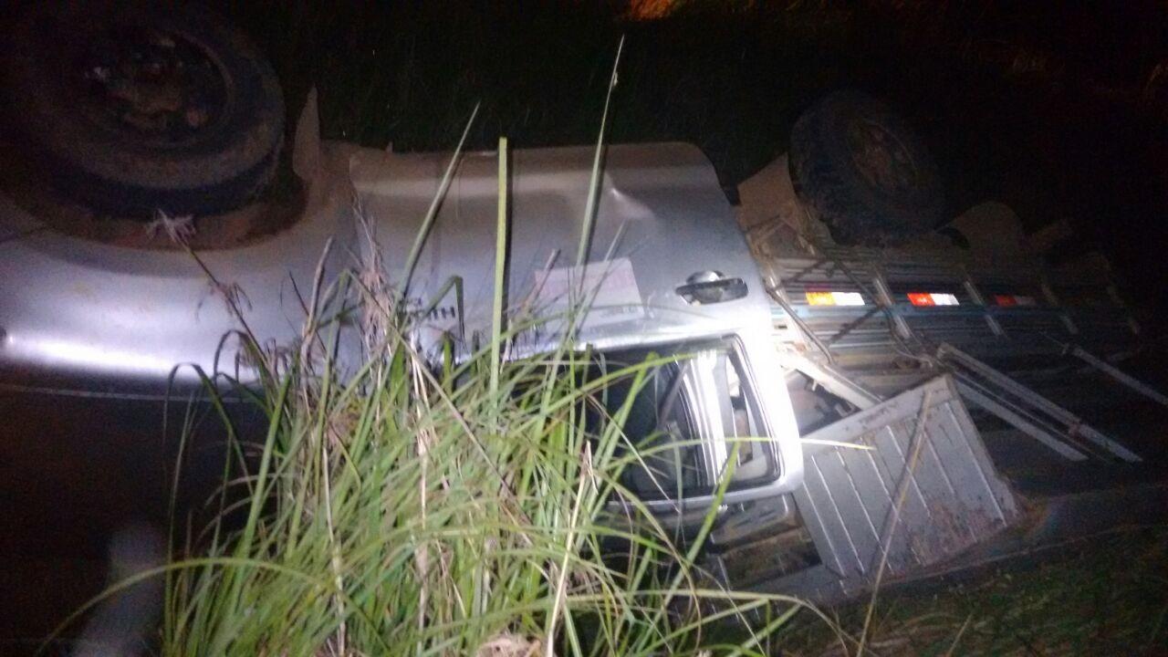 Motorista morre após caminhonete capotar em rodovia no interior do Acre