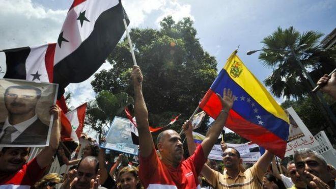 """O presidente sírio diz que o que acontece na Venezuela é """"semelhante"""" ao que acontece na Síria (Foto: AFP via BBC)"""