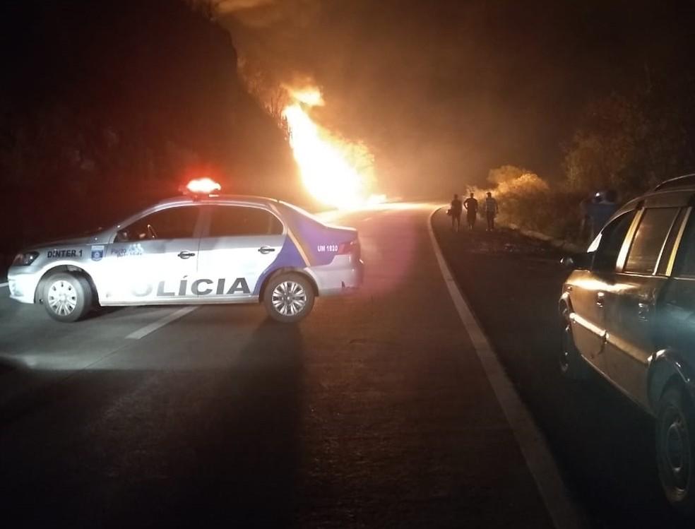 Acidente aconteceu no início da noite desta terça-feira (24) em Gravatá (Foto: Reprodução/WhatsApp)