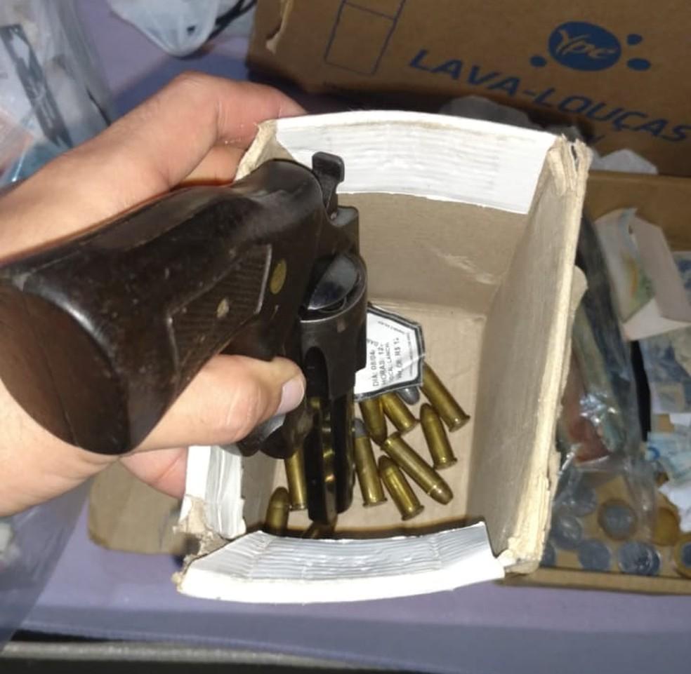 -  Operação Red Money apreendeu dinheiro e armas  Foto: Polícia Civil de MT/Assessoria