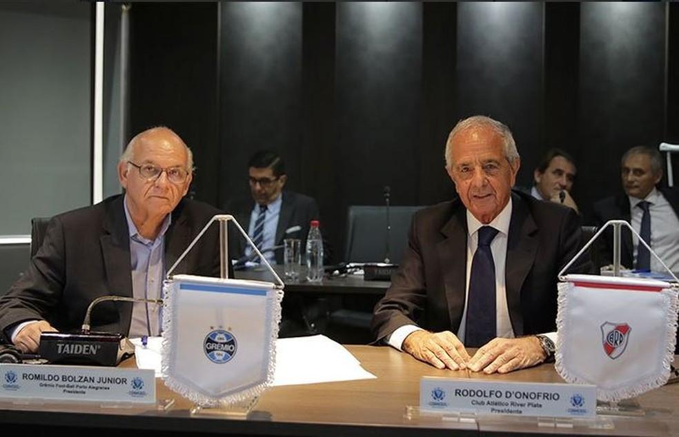 Romildo Bolzan, presidente do Grêmio, e Rodolfo D'Onofrio, presidente do River Plate — Foto: Divulgação