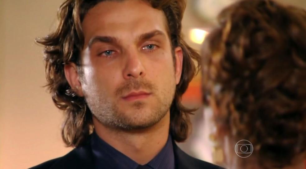 Alberto (Igor Rickli) revela para a mãe que não sente remorso por nada que fez - 'Flor do Caribe' — Foto: Globo