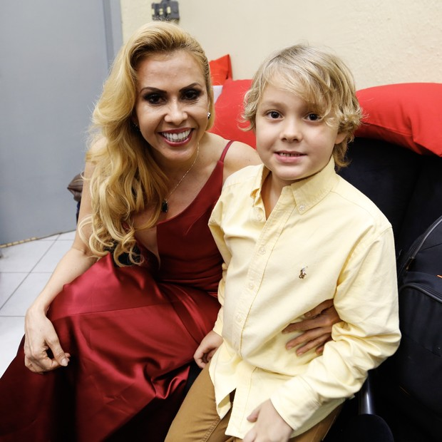 Davi Lucca com Joelma (Foto: Divulgação/Reprodução)