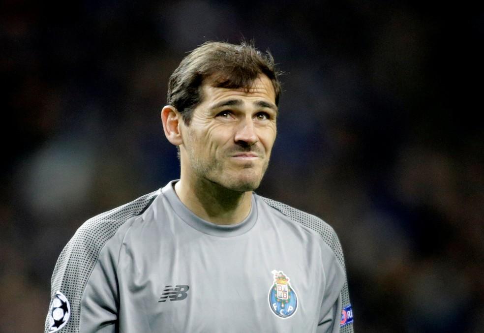 Iker Casillas com a camisa do Porto nesta temporada — Foto: Reuters