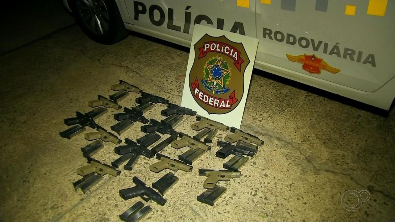 Suspeito de ser 'batedor' de carregamento com 17 pistolas é bombeiro do estado de Goiás