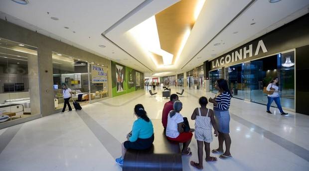 Sem lojistas nem clientes, shoppings continuam vazios (Foto: Estadão Conteúdo)