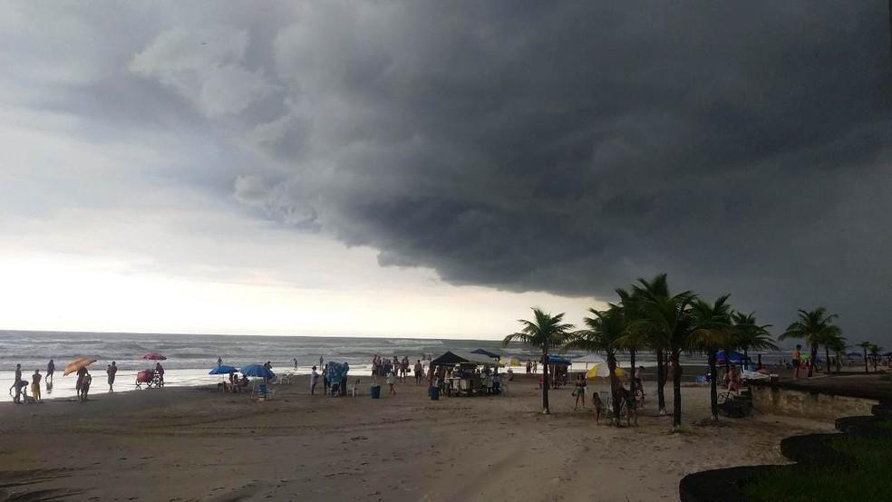 Baixada Santista terá semana de tempo instável e com temperaturas mais baixas — Foto: Itaicy Julio/Arquivo Pessoal