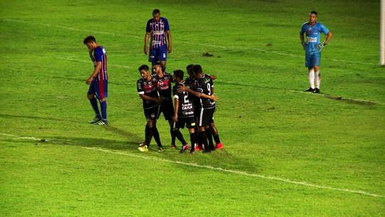 """Com 2 gols em dérbi, Márcio Diogo minimiza lado individual e destaca coletivo: """"Qualidade"""""""