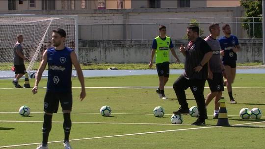 Elenco alvinegro fala sobre o técnico Barroca no Botafogo