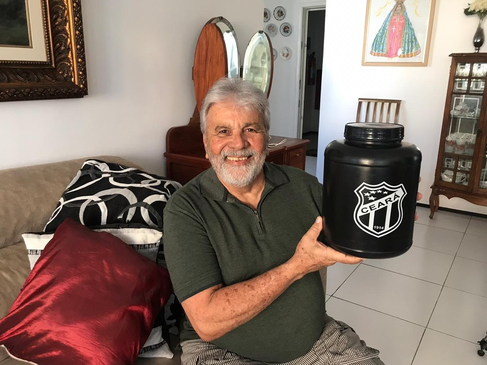 A próxima viagem do ex-fumante cearense já está marcada: vai, com a esposa, visitar Aparecida do Norte, em São Paulo — Foto: Arquivo Pessoal