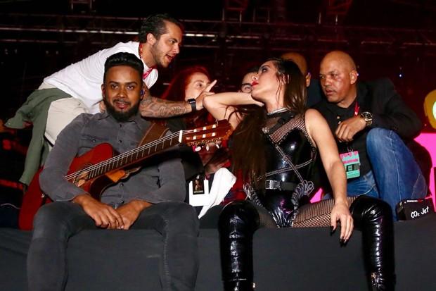 Wanessa Camargo tem microfone desligando durante Festival (Foto: Manuela Scarpa / Brazil News )