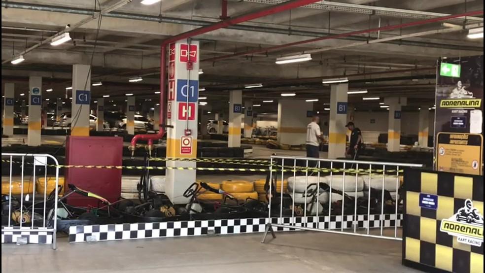Pista de kart onde ocorreu o acidente foi periciada pelo Instituto de Criminalística nesta terça-feira (13) — Foto: Isabela Veríssimo/G1