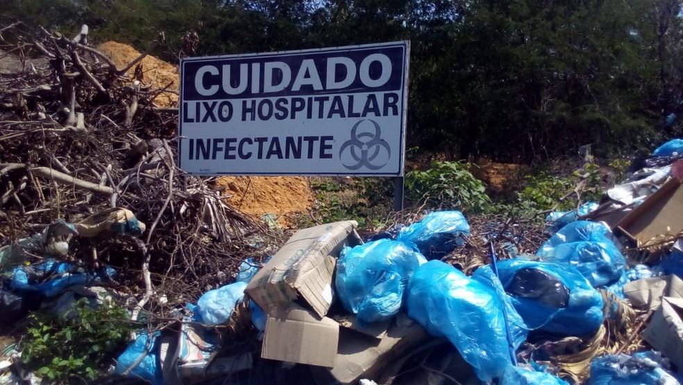 Moradores denunciam prefeitura por descarte impróprio de lixo hospitalar no Piauí — Foto: Reprodução/Whatsapp