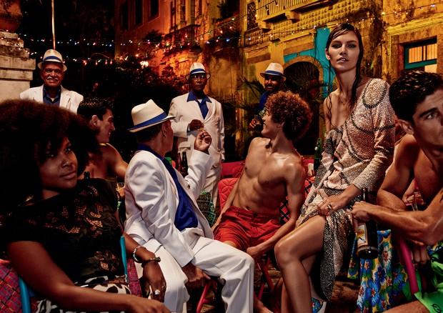 Aline Weber fotografada no Rio de Janeiro para a Vogue de novembro de 2014 (Foto: Giampaolo Sgura/Arquivo Vogue)
