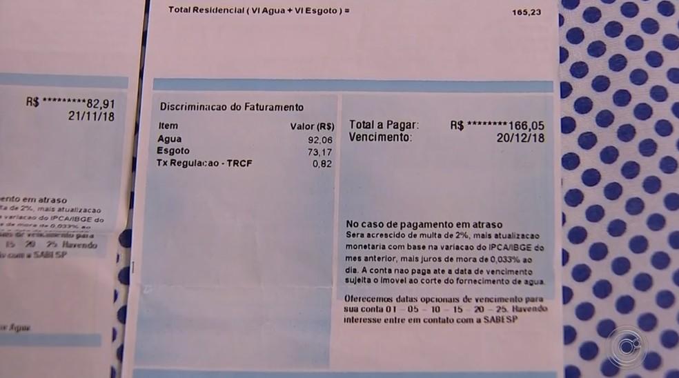 Moradores reclamam do aumento no valor da conta de água após troca de hidrômetros em Boituva — Foto: Reprodução/TV TEM