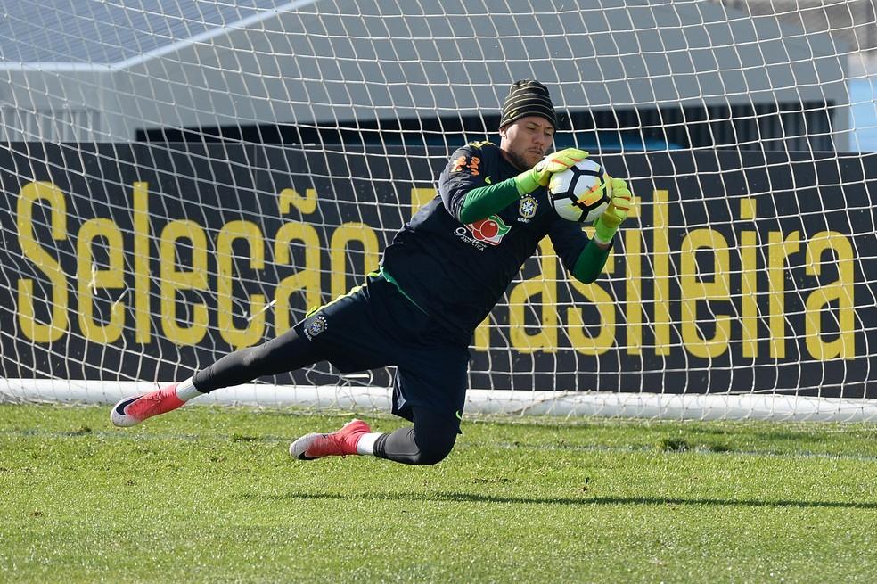 560479c91c6f3 ... Diego Alves voltou a ser convocado para a seleção brasileira — Foto   Pedro Martins