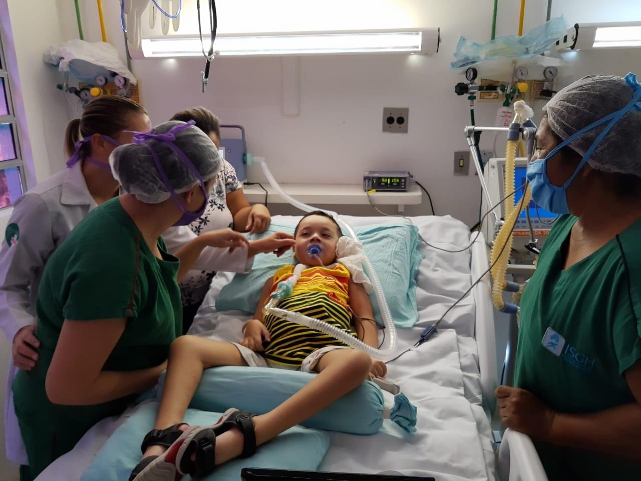 Cearense com doença rara recebe alta hospitalar após 465 dias internado