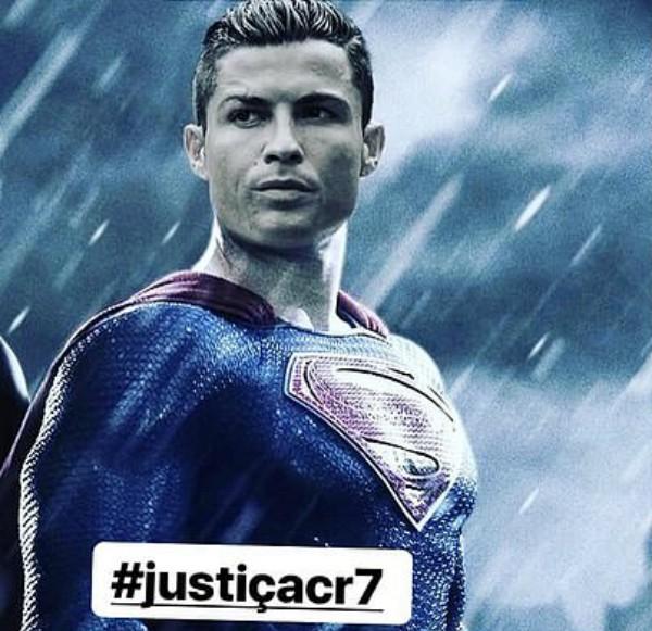 Montagem publicada pela mãe de Cristiano Ronaldo (Foto: Reprodução Facebook)