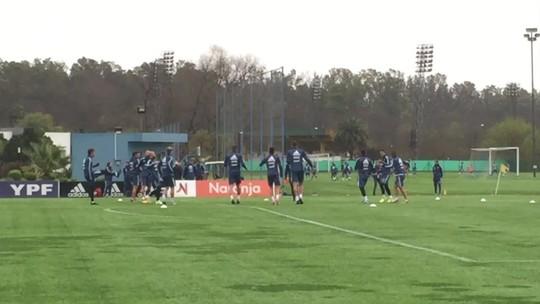 Argentina treina em clima descontraído, e Sampaoli repete mudanças em time titular