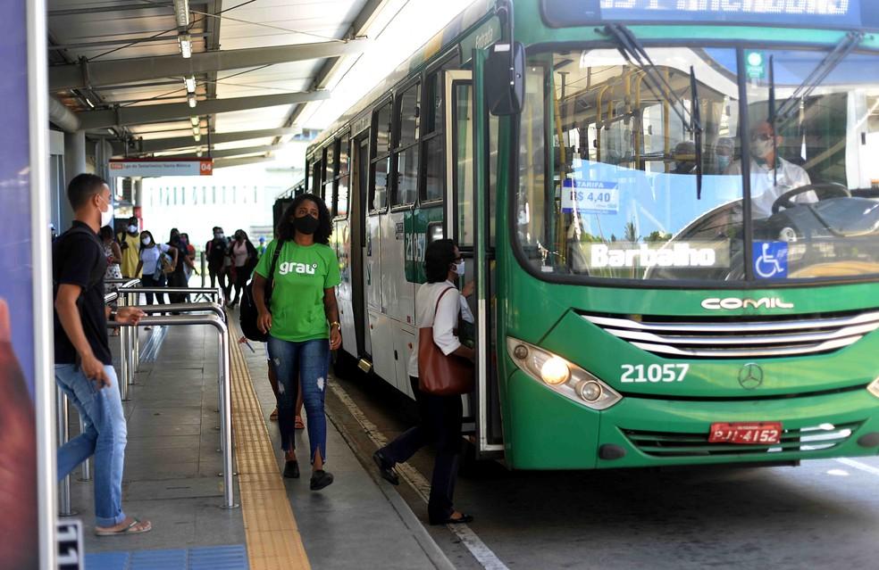 Linhas de ônibus são alteradas em Salvador — Foto: Jefferson Peixoto/Secom