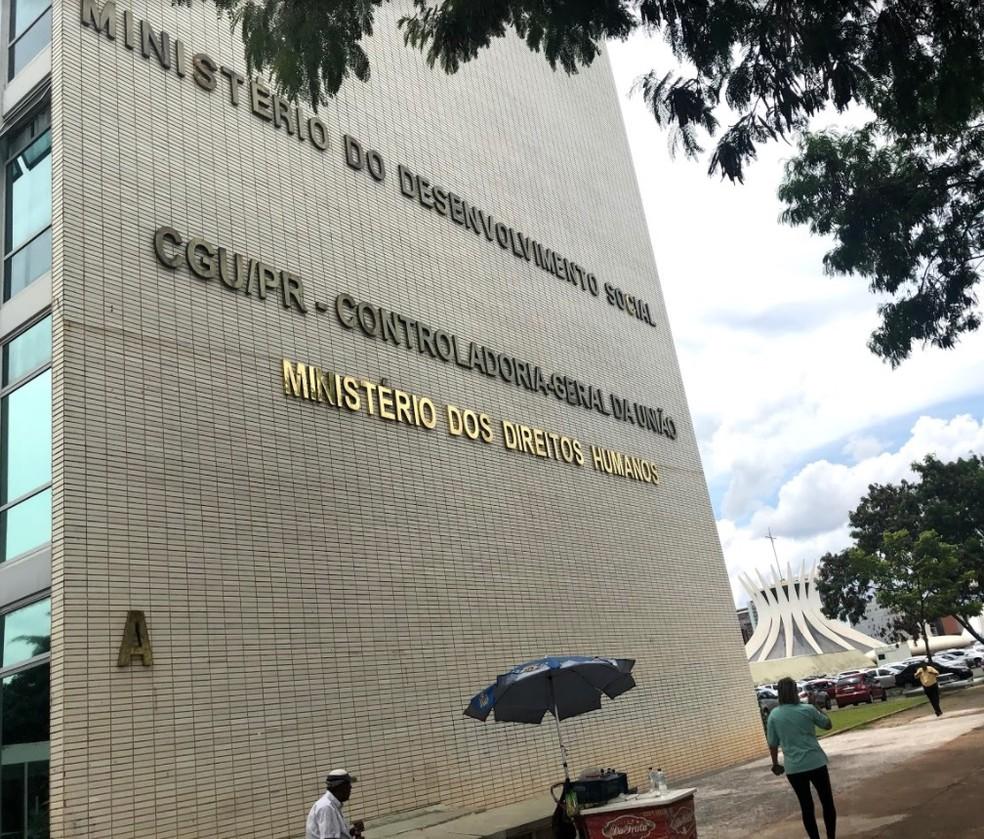 Fachada do prédio onde funciona o Ministério dos Direitos Humanos — Foto: Marília Marques/G1