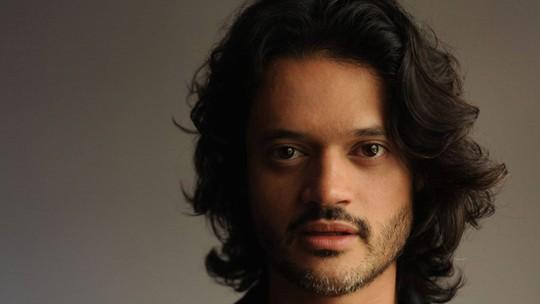 Álamo Facó conta laboratório para tentar salvar personagem de Grazi das drogas: 'Li a Bíblia'