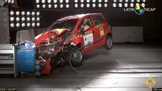 Compacto da Chevrolet 'zera' em teste de colisão