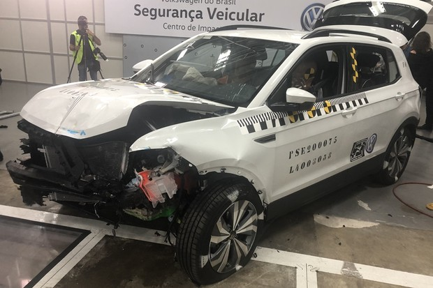Segurança VW (Foto: Thais Villaça/Autoesporte)