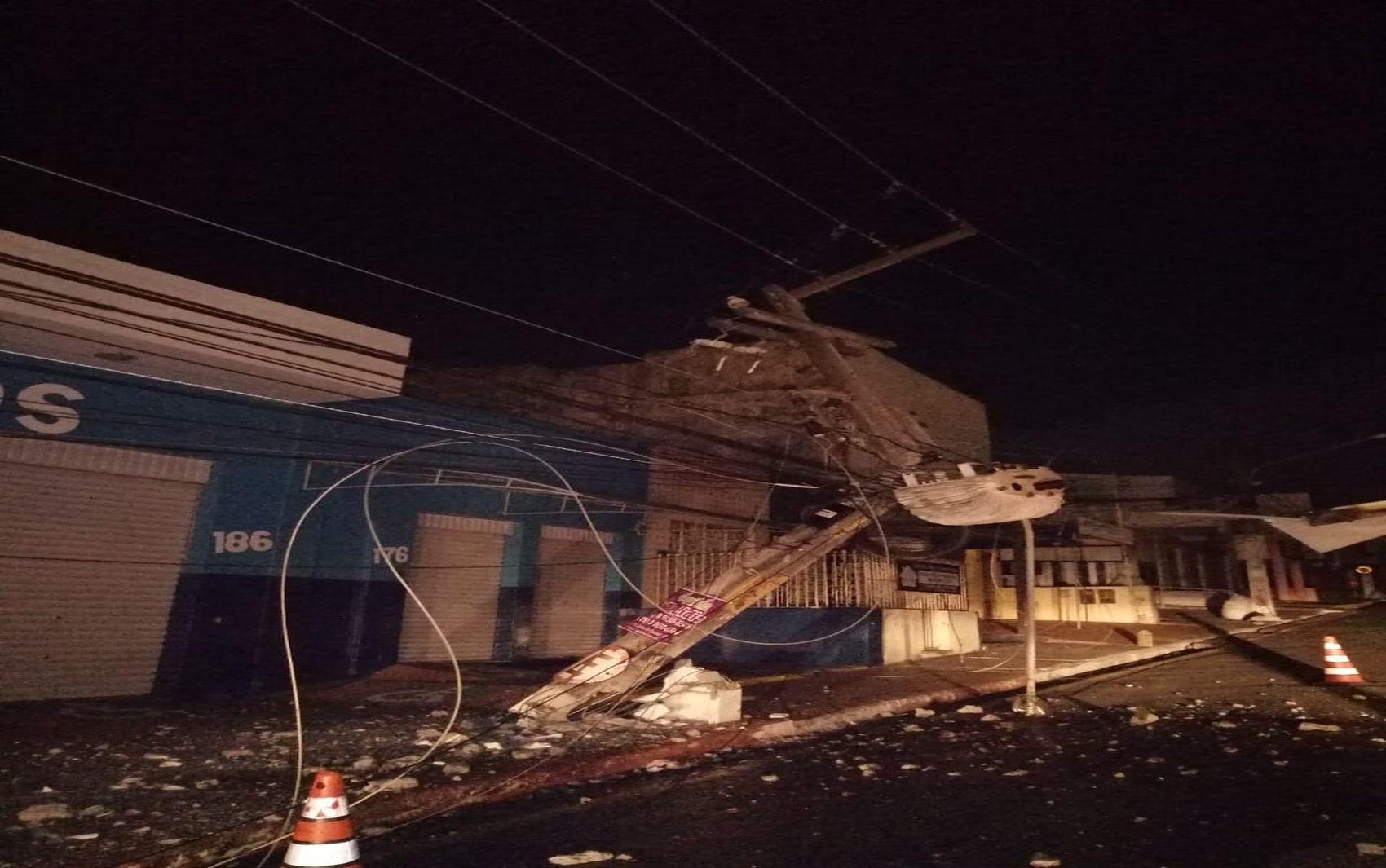 Acidente com caminhão deixa parte do município de Lagarto sem energia