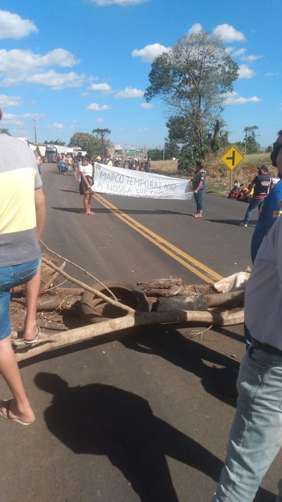 Na PR-445, no trecho de Tamarana, também houve protesto — Foto: Divulgação/PRE