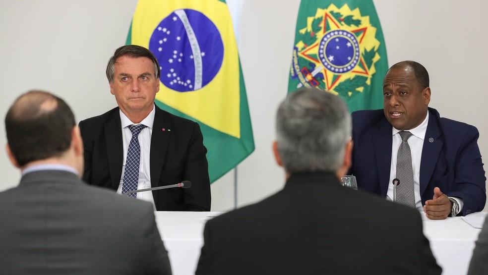 Jair Bolsonaro e o Secretário Especial do Esporte, Marcelo Magalhães — Foto: Marcos Corrêa/PR